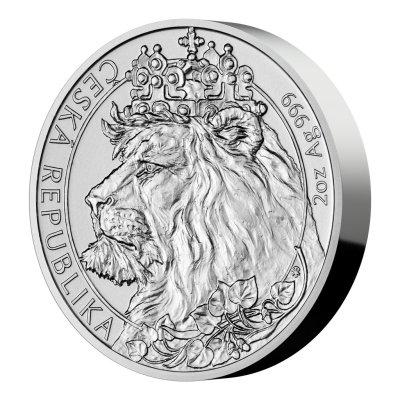 Stříbrná dvouuncová investiční mince Český lev 2021 stand 62,2 g - první strana pootočená